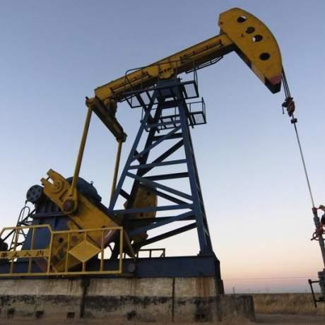 Цены на нефть у максимума за 7 недель, Brent выросла до $50,5 за баррель