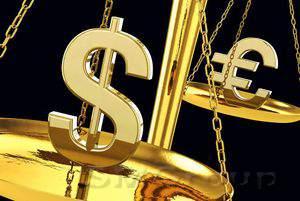 Инвесторы осторожно смотрят на покупку доллара