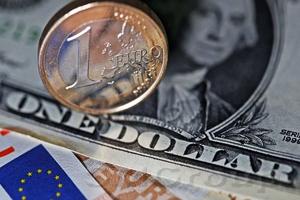 Заседание ЕЦБ остановит укрепление курса евро