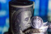 Резкий скачек цен на нефть укрепил рубль
